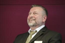 Prof. Knut Ringat, Geschäftsführer und Sprecher der Geschäftsführung Rhein-Main-Verkehrsverbund